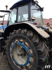 Tractor agricola New Holland TM 175 - 3