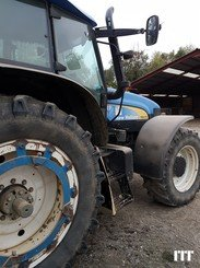 Tractor agricola New Holland TM 175 - 2