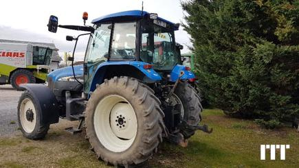 Tractor agricola New Holland TM 120 - 2
